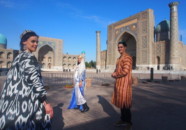 Ann, Nafisa, Timur in Samarkand Beauty